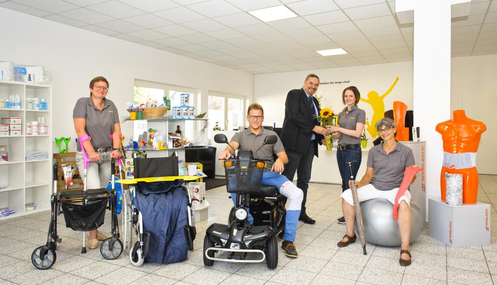 (von links nach rechts) Kristine Lange, Sven Schlitzer , Torsten Jahn , Jennifer Budweg und Ulrike Bratz. Foto: Fotostudio Lippert