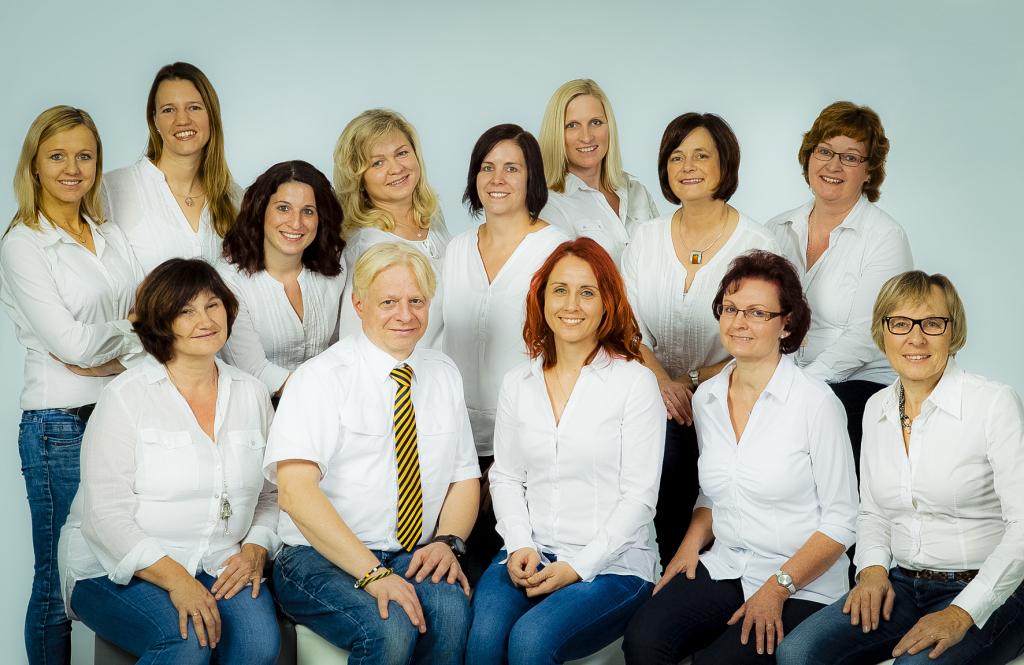 Das Team der Coesterschen Apotheke um Rhéa Amyotte-Coester. Foto: Coestersche Apotheke