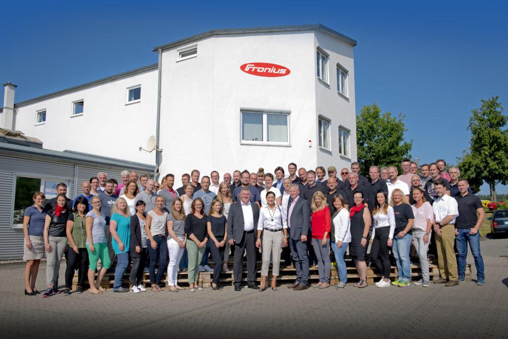 Fronius feiert 25-jährige Präsenz in Deutschland. Seit 2006 ist der Hauptsitz Neuhof. Fotos: Fotostudio Lippert