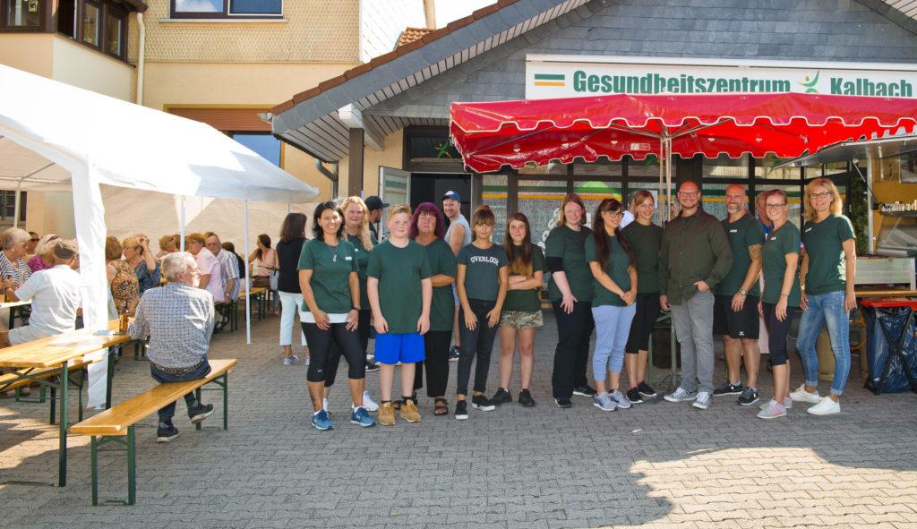 Das Team des Gesundheitszentrums Kalbach um Inhaber Alexander Birger. Fotos: Fotostudio Lippert