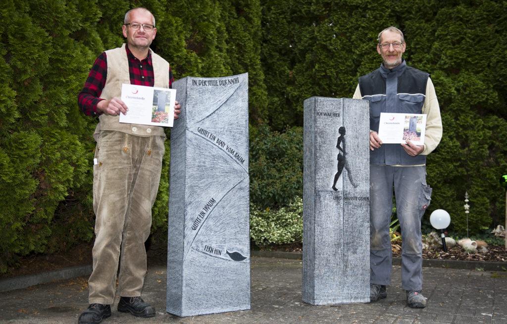 Ausgezeichnet: Die Grabzeichen-Gestaltung von Thomas Mack (links). Foto: Fotostudio Lippert